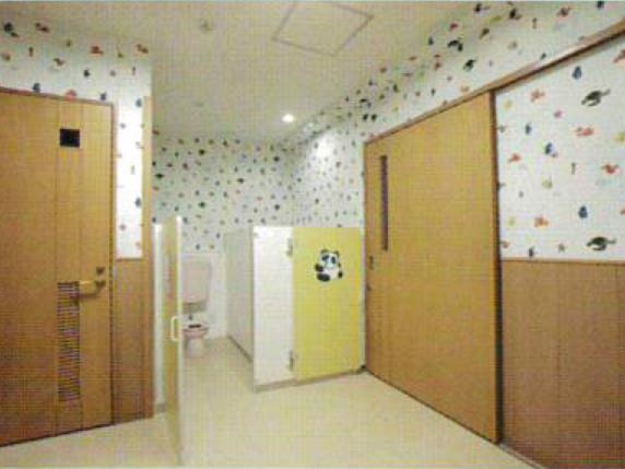 03宇宙_幼児棟トイレ